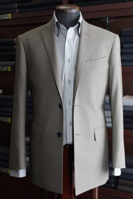 クライシス 小栗旬さん風 スーツ