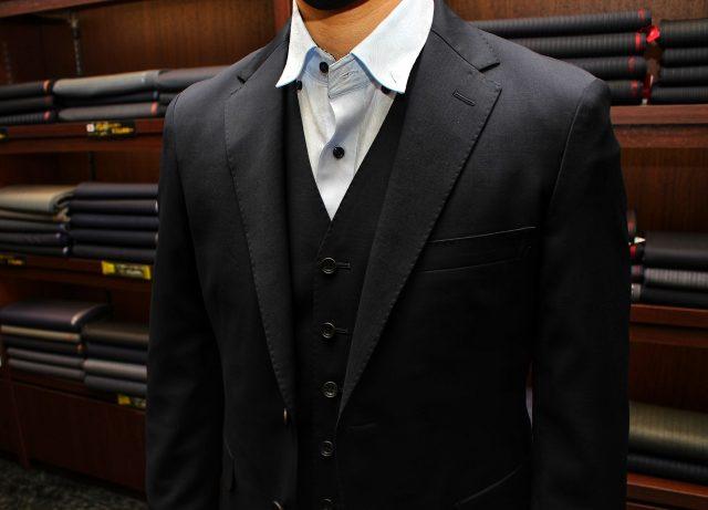 紺無地スーツ