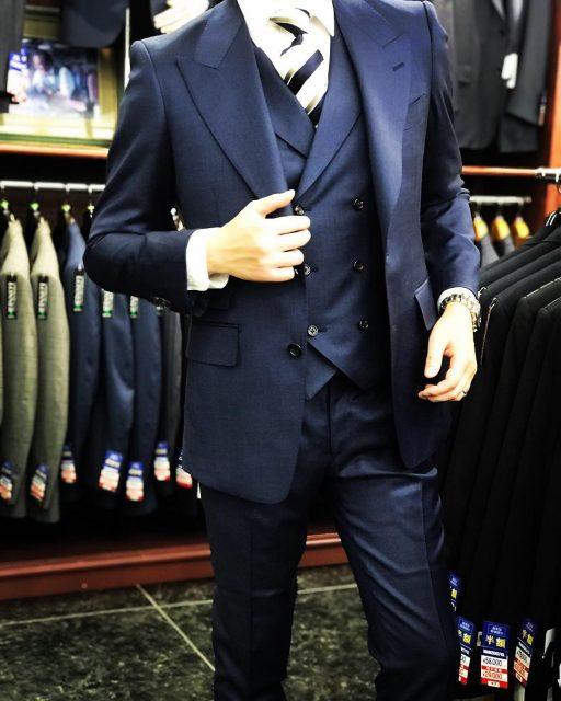 TOMFORD型スーツ
